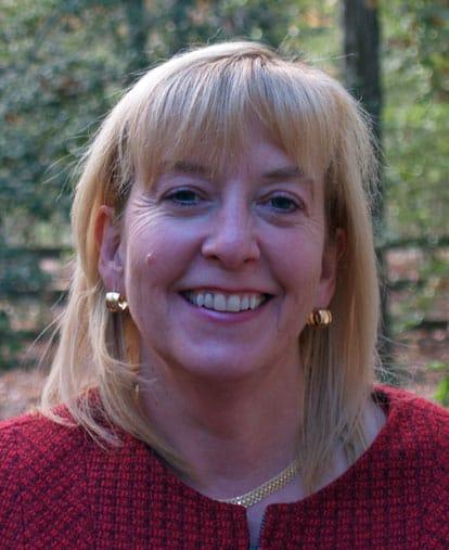November Featured Court Reporter: Leslie Etheredge, RMR